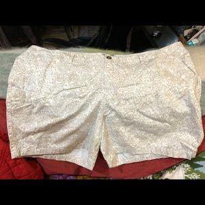 Great pair Old Navy shorts sz 20.
